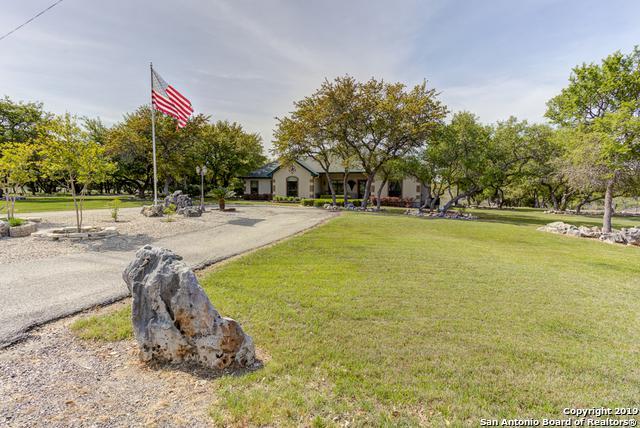 4107 Summit Dr, New Braunfels, TX 78132 (MLS #1375846) :: Tom White Group
