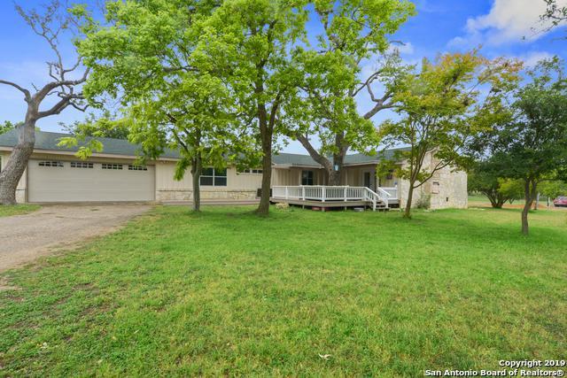 389 Knollwood Circle, Bandera, TX 78003 (MLS #1375884) :: Erin Caraway Group