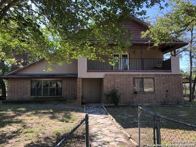 1971 Deer Trl, Floresville, TX 78114 (MLS #1376172) :: River City Group