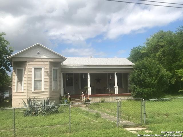 108 E Krueger St, Marion, TX 78124 (MLS #1376279) :: Vivid Realty