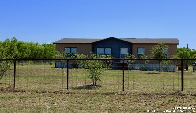115 County Road 2667, Moore, TX 78057 (MLS #1376434) :: Vivid Realty
