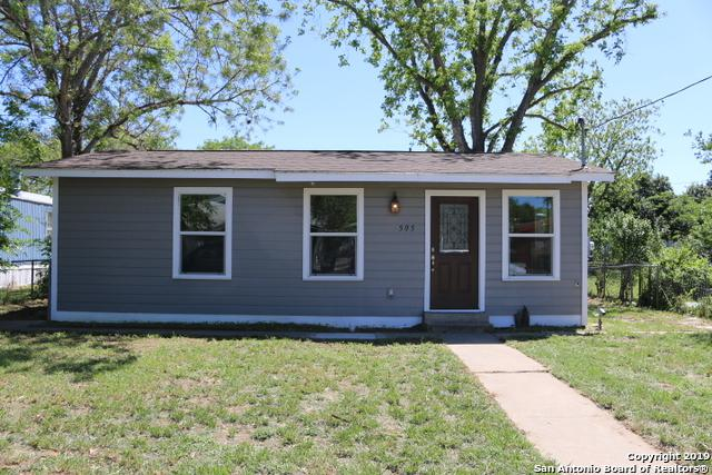 505 Avenue E, Poteet, TX 78065 (MLS #1377127) :: Alexis Weigand Real Estate Group
