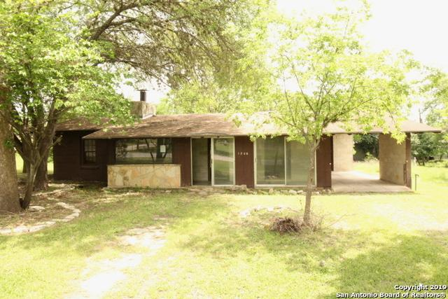 1306 Cottonwood St, Bandera, TX 78003 (MLS #1377572) :: Alexis Weigand Real Estate Group