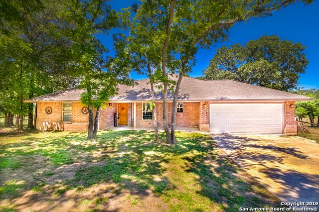 149 Great Oaks Blvd, La Vernia, TX 78121 (MLS #1377959) :: River City Group