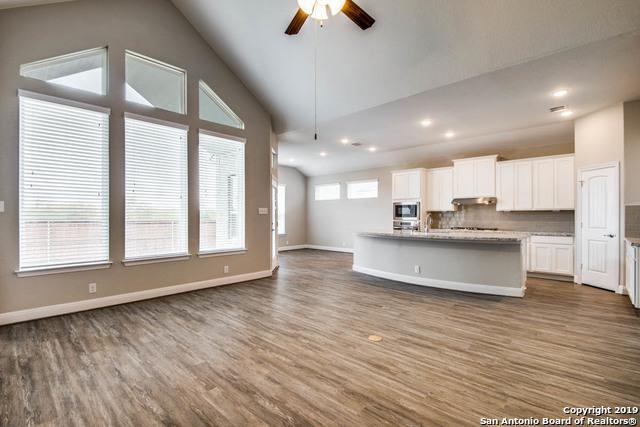 590 Mission Hill Run, New Braunfels, TX 78132 (MLS #1378131) :: Berkshire Hathaway HomeServices Don Johnson, REALTORS®