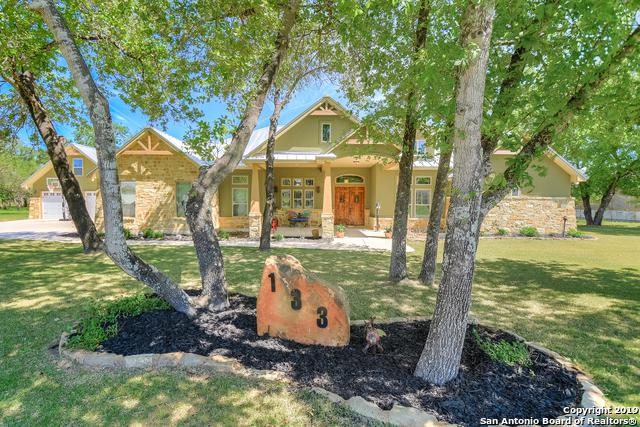 133 Bridgewater Dr, La Vernia, TX 78121 (MLS #1378176) :: Neal & Neal Team