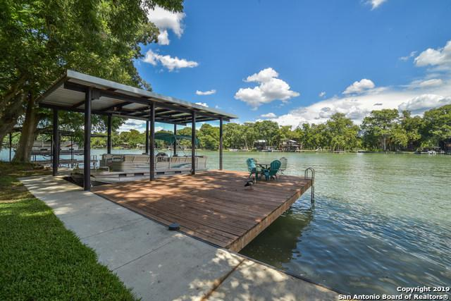 405 Lake Placid Dr, Seguin, TX 78155 (MLS #1378310) :: Alexis Weigand Real Estate Group