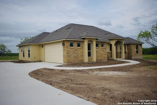 113 Colibro Creek Dr, La Vernia, TX 78121 (MLS #1378425) :: Alexis Weigand Real Estate Group