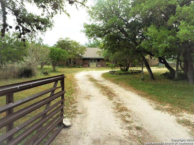 440 Oak Meadow Ln, San Antonio, TX 78253 (MLS #1378617) :: Tom White Group