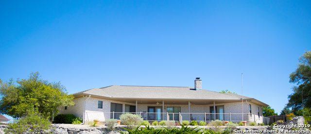1805 Summit Ridge Dr, Kerrville, TX 78028 (MLS #1378862) :: Alexis Weigand Real Estate Group