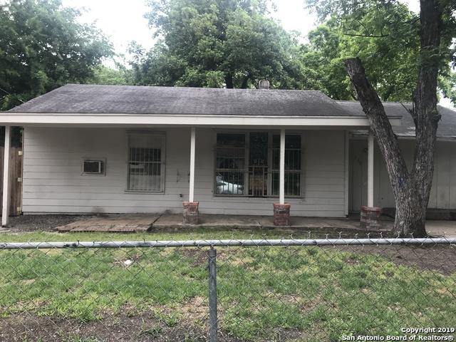 238 Las Palmas Dr, San Antonio, TX 78237 (MLS #1378899) :: Alexis Weigand Real Estate Group