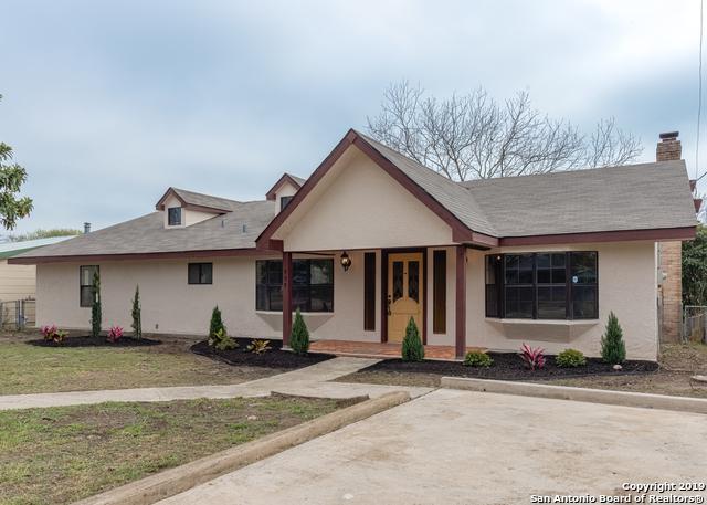 909 E Walnut St, Seguin, TX 78155 (MLS #1378968) :: The Gradiz Group