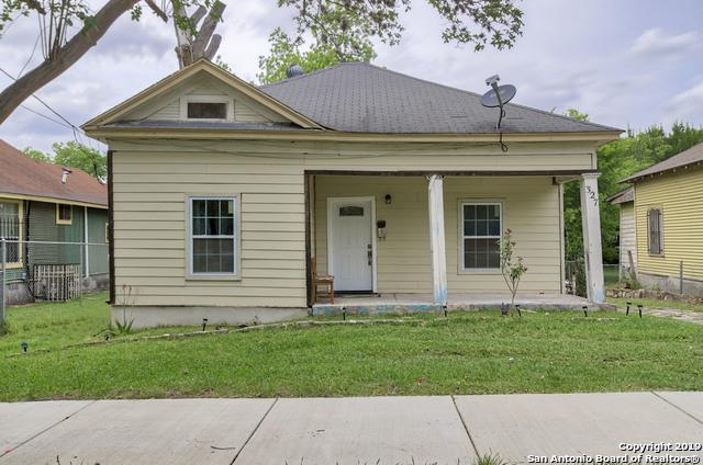 327 Cooper St, San Antonio, TX 78210 (MLS #1378997) :: The Gradiz Group
