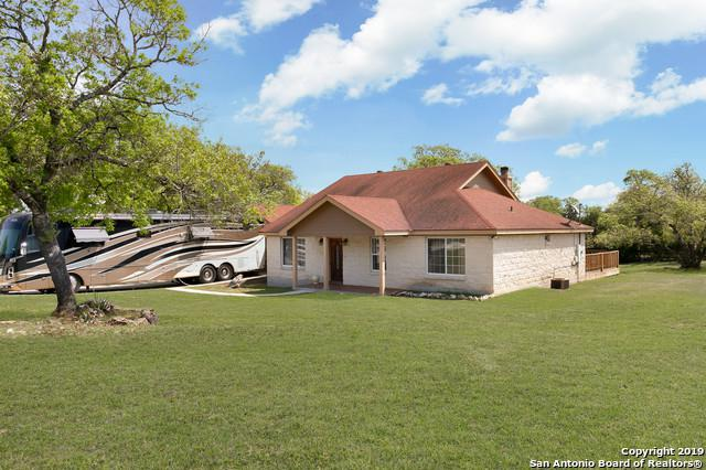 105 Mountain View Trail, Boerne, TX 78006 (MLS #1379100) :: BHGRE HomeCity