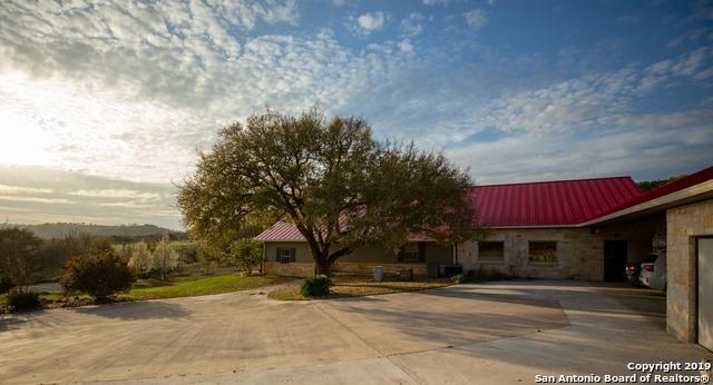 4670 Goat Creek Rd, Kerrville, TX 78028 (MLS #1379193) :: The Gradiz Group