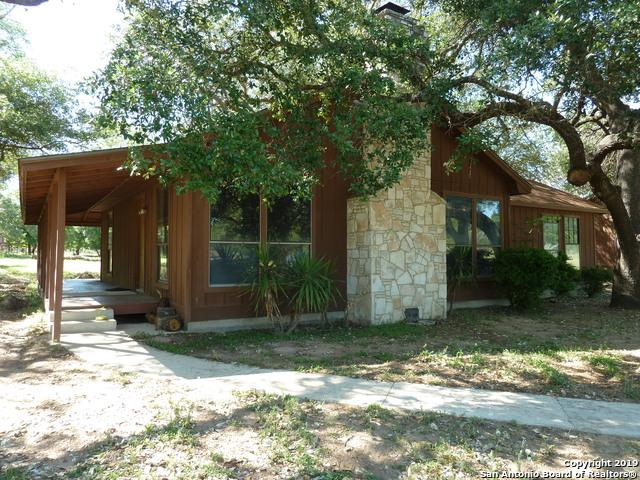 291 County Road 762, Devine, TX 78016 (MLS #1379237) :: Tom White Group
