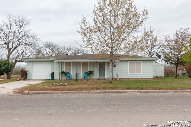 990 Shamrock, Poteet, TX 78065 (MLS #1379911) :: Tom White Group