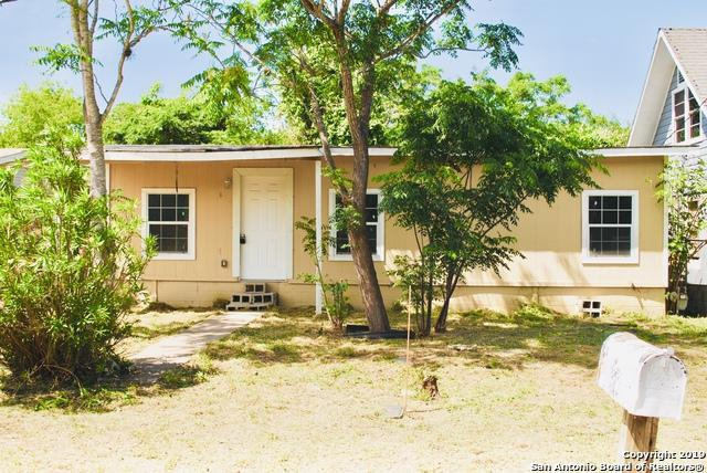 619 Bowen St, Pleasanton, TX 78064 (MLS #1379924) :: Alexis Weigand Real Estate Group