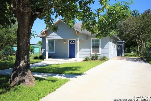 206 E 4th St, Nixon, TX 78140 (MLS #1379956) :: Glover Homes & Land Group