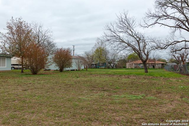 992 Shamrock, Poteet, TX 78065 (MLS #1380152) :: Tom White Group