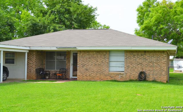 803 Olive St, Jourdanton, TX 78026 (MLS #1380583) :: The Mullen Group | RE/MAX Access