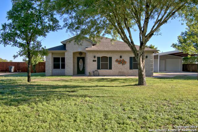 114 Santa Anna Dr, Seguin, TX 78155 (MLS #1380625) :: Alexis Weigand Real Estate Group