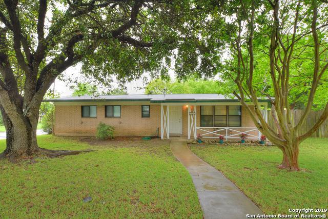 202 Patricia, San Antonio, TX 78216 (MLS #1380649) :: Berkshire Hathaway HomeServices Don Johnson, REALTORS®