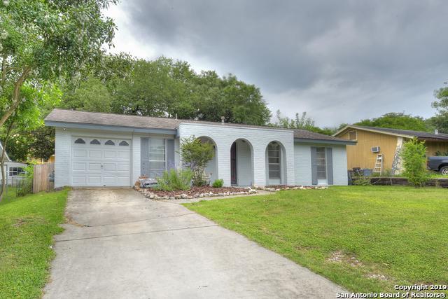7305 Leading Oaks St, Live Oak, TX 78233 (MLS #1380825) :: Tom White Group