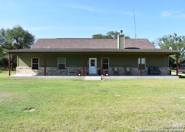 1521 County Road 7711, Devine, TX 78016 (MLS #1380931) :: BHGRE HomeCity