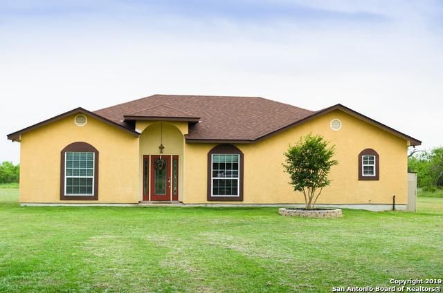 6147 Pfeil Rd, Schertz, TX 78154 (MLS #1380973) :: The Gradiz Group