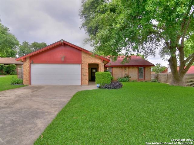 7725 Cool Sands St, Live Oak, TX 78233 (MLS #1381041) :: Tom White Group