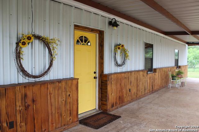 343 Sleepy Meadow, Nixon, TX 78140 (MLS #1381323) :: Glover Homes & Land Group