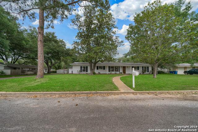 1010 Abilene St, Pleasanton, TX 78064 (MLS #1381480) :: Glover Homes & Land Group