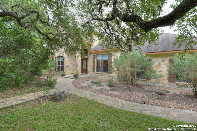 915 River Chase Dr, New Braunfels, TX 78132 (MLS #1381976) :: Erin Caraway Group