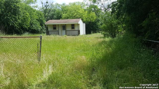 408 Port Arthur St, Luling, TX 78648 (MLS #1382012) :: Magnolia Realty