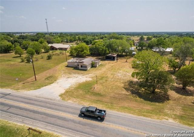 631 San Marcos Hwy, Luling, TX 78648 (MLS #1382085) :: BHGRE HomeCity