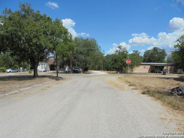 401 Margaret St, Kenedy, TX 78119 (MLS #1382272) :: The Mullen Group   RE/MAX Access