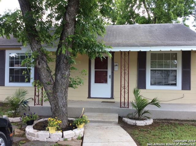 936 Alametos, San Antonio, TX 78201 (MLS #1382341) :: Neal & Neal Team