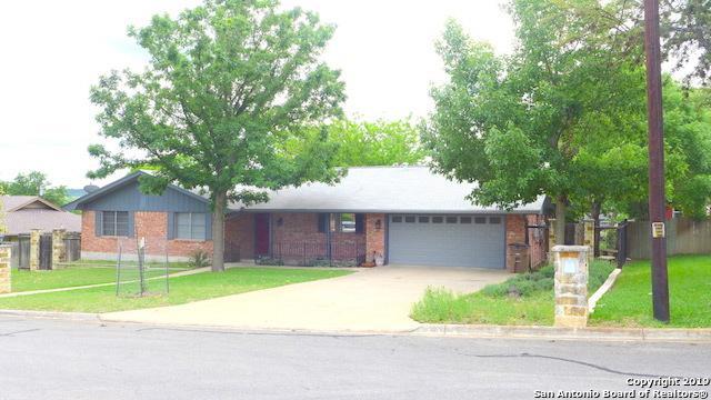 202 Sherwood Ln, Kerrville, TX 78028 (MLS #1382448) :: Glover Homes & Land Group