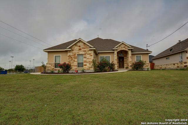 101 Park Way, Poth, TX 78147 (MLS #1382590) :: Alexis Weigand Real Estate Group