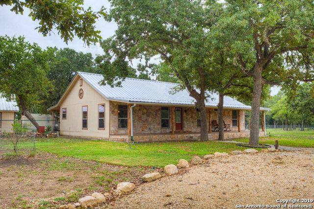 180 Orchard Park Blvd, Medina, TX 78055 (MLS #1382598) :: Glover Homes & Land Group