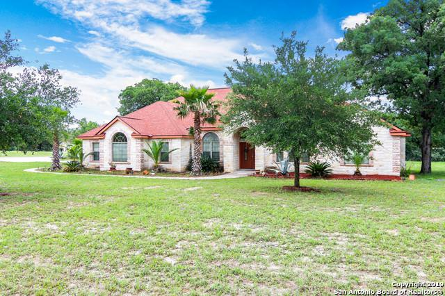 116 Abrego Ridge Dr, Floresville, TX 78114 (MLS #1382890) :: BHGRE HomeCity