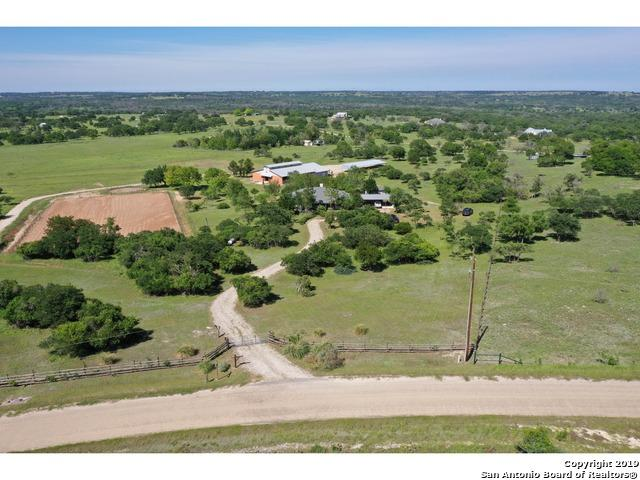 320 Scenic Vista Dr, Fredericksburg, TX 78624 (MLS #1384124) :: Glover Homes & Land Group