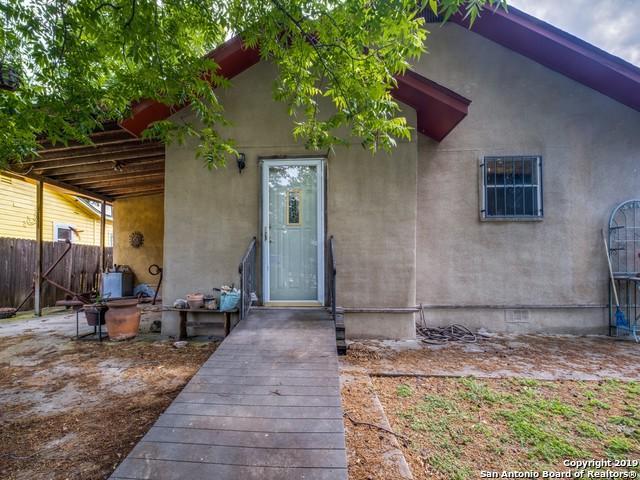 3822 W Houston St, San Antonio, TX 78207 (MLS #1384190) :: BHGRE HomeCity