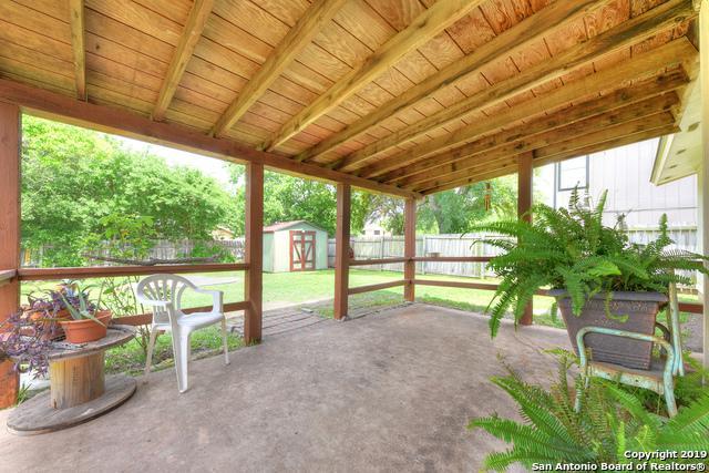 2806 Bear Springs Dr, San Antonio, TX 78245 (MLS #1384218) :: Berkshire Hathaway HomeServices Don Johnson, REALTORS®