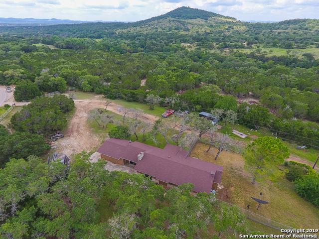 277 W Bear Springs Dr, Pipe Creek, TX 78063 (MLS #1384515) :: The Gradiz Group