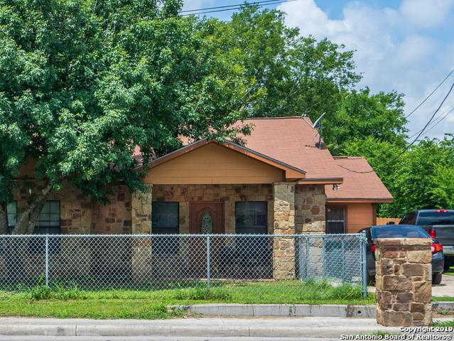 3641 Commercial Ave, San Antonio, TX 78221 (MLS #1384648) :: The Castillo Group