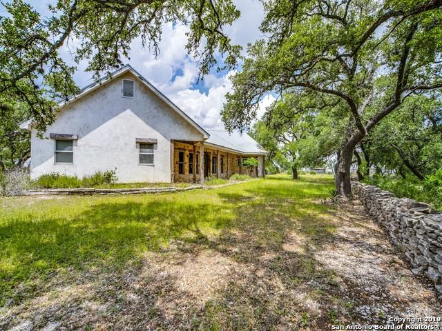 171 N Stallion Estates Dr, Spring Branch, TX 78070 (MLS #1384752) :: Erin Caraway Group