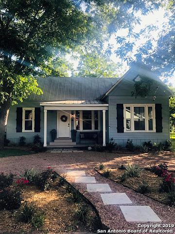 314 N Avenue F, Shiner, TX 77984 (MLS #1384854) :: The Gradiz Group