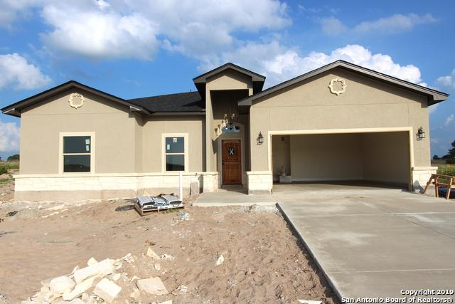110 Las Palomas Dr, La Vernia, TX 78121 (MLS #1384876) :: Glover Homes & Land Group